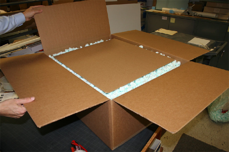 What are the benefits of using foam shipping boxes?